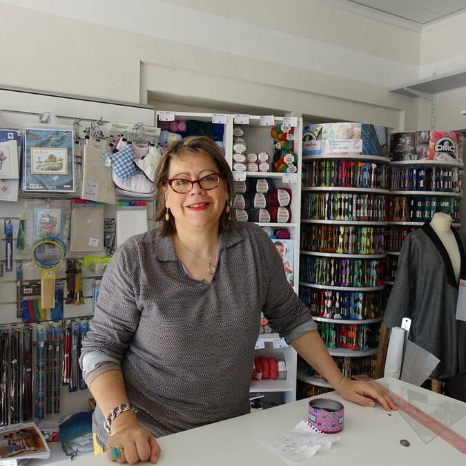 Catherine TEXIER GEMARD a ouvert une mercerie et un atelier de couture,Histoires de fil, à Noirmoutier-en-l'île.